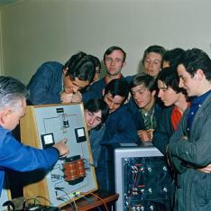 Cours d'électronique dispensé au sein du Centre de formation SNCF de Moulin Neuf.